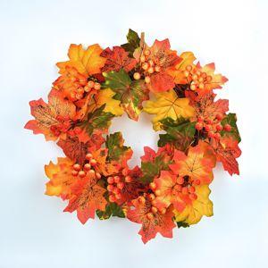 Őszi koszorú juharlevelekkel és bogyókkal, 30 cm